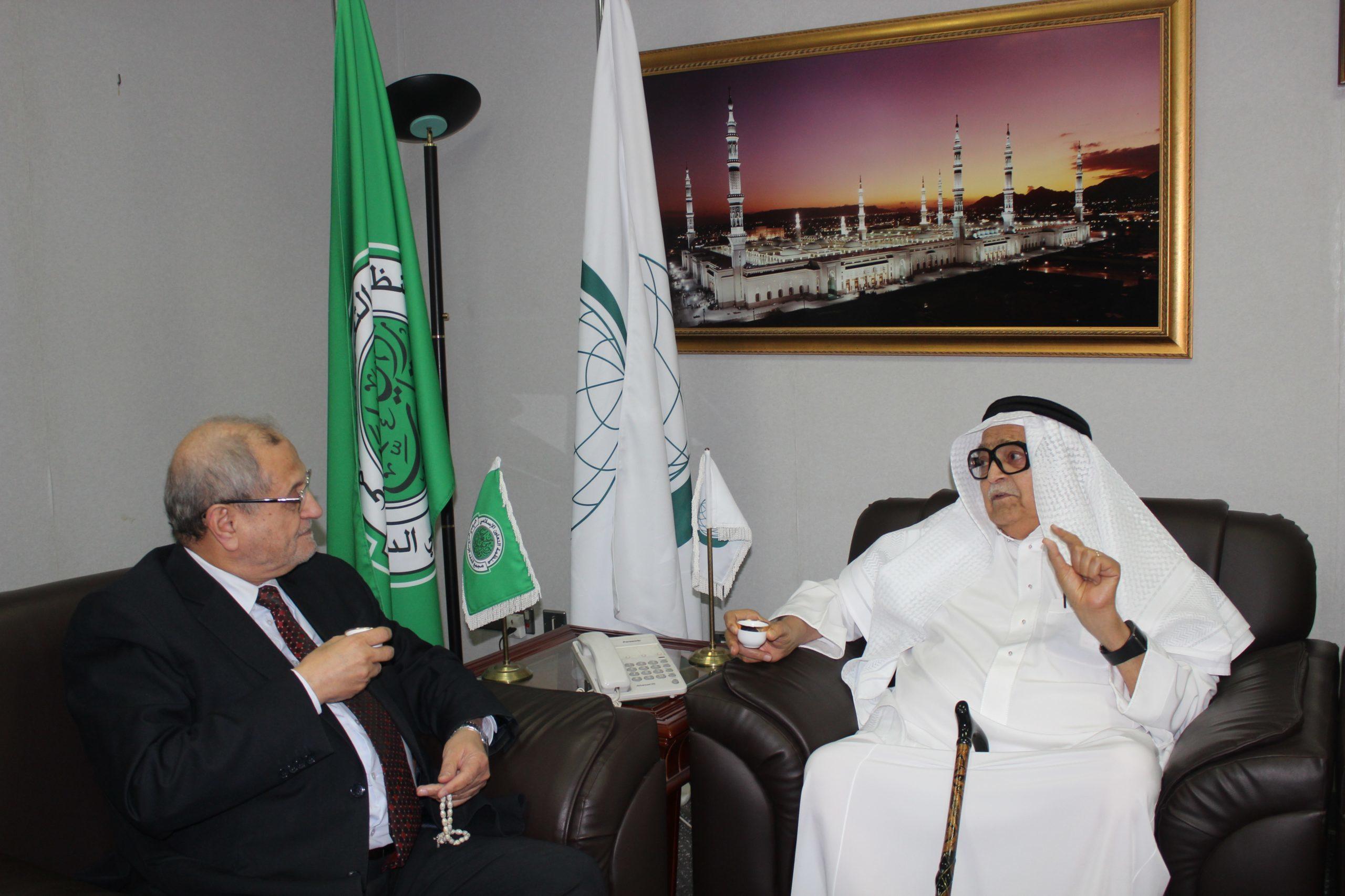 الشيخ صالح كامل رئيس الغرفة الإسلامية للتجارة والصناعة في زيارة لمجمع الفقه الإسلامي الدولي
